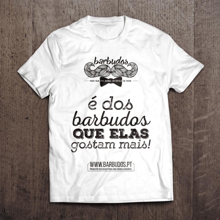 T-Shirt Barbudos - e dos barbudos que elas gostam mais - branco