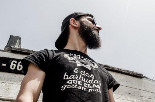 T-Shirt-Barbudos-e-dos-barbudos-que-elas-gostam-mais-modelo