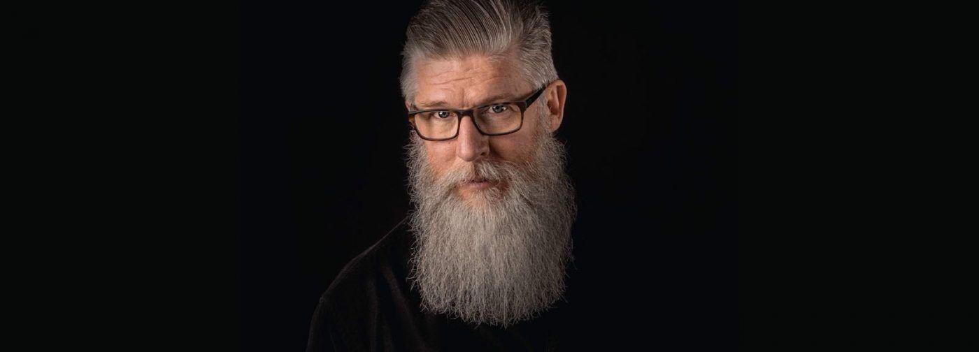 Como cuidar da barba branca? Descubra as rotinas e os produtos certos!