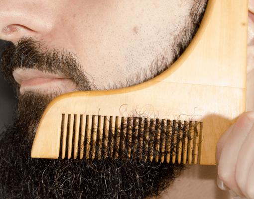 Pente delineador de madeira para barba barbudos.pt